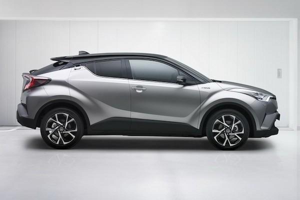 Toyota C-HR mới lộ diện với thiết kế lạ mắt ảnh 4