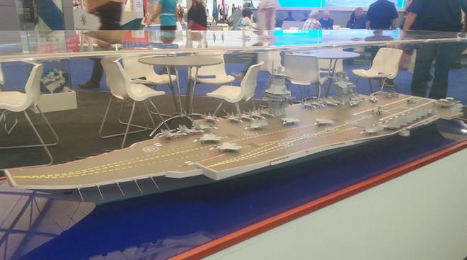 Mô hình tàu sân bay Storm của Nga
