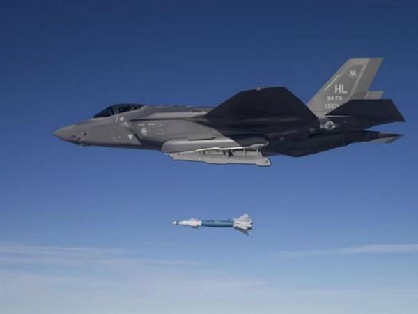 Đây là lần đầu tiên F-35 thả một quả bom thật
