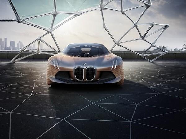 BMW Vision Next 100 concept là cái nhìn về thiết kế của hãng xe nước Đức trong 100 năm tới