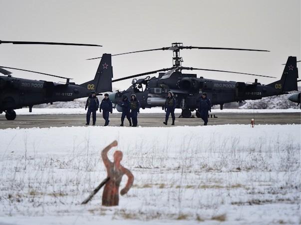 """Ka-52, biệt danh """"cá sấu"""", là trực thăng có thể làm cả nhiệm vụ trinh sát lẫn tấn công"""