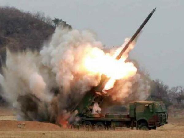 Triều Tiên công bố ảnh thử nghiệm tên lửa bắn loạt 300mm mới