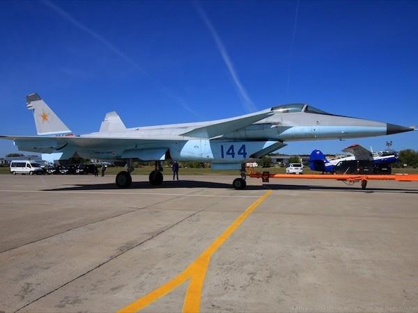 Nga hàng trăm thiết bị quân sự cho quân đội trong năm 2015