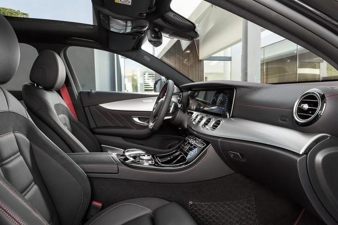 Mercedes-AMG E43: Mạnh mẽ và sang trọng ảnh 3