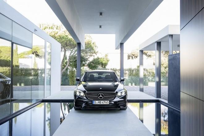 Mercedes-AMG E43: Mạnh mẽ và sang trọng ảnh 6