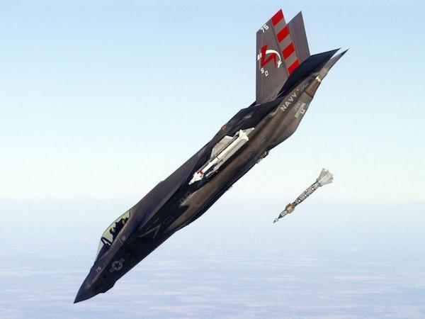 Chương trình phát triển máy bay F-35 đang gặp rất nhiều vấn đề