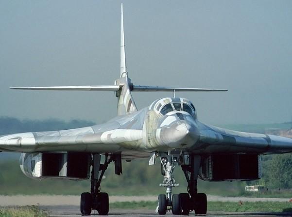 Máy bay ném bom Tu-160 của Nga