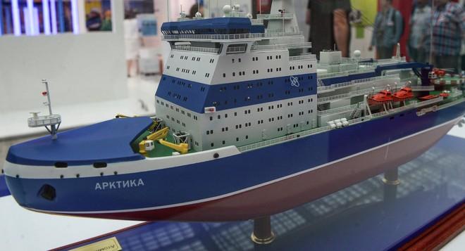 Mô hình tàu phá băng Arktika thuộc dự án 22220