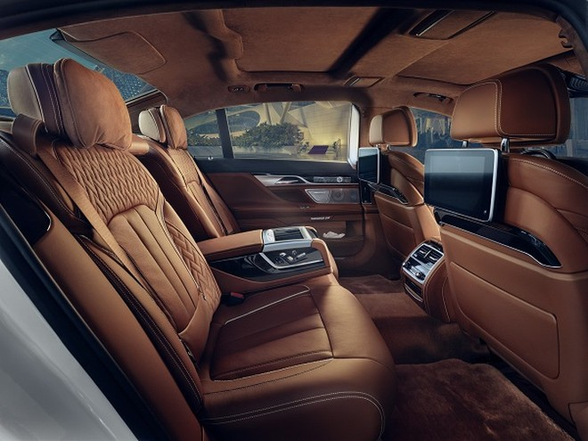 BMW 750i xDrive Solitaire