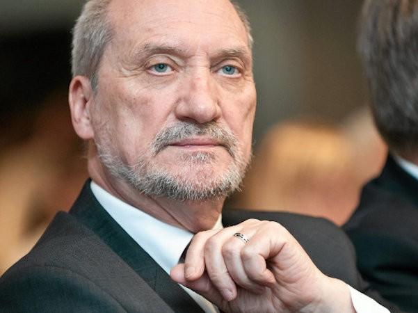 Bộ trưởng Quốc phòng Ba Lan Antoni Macierewicz