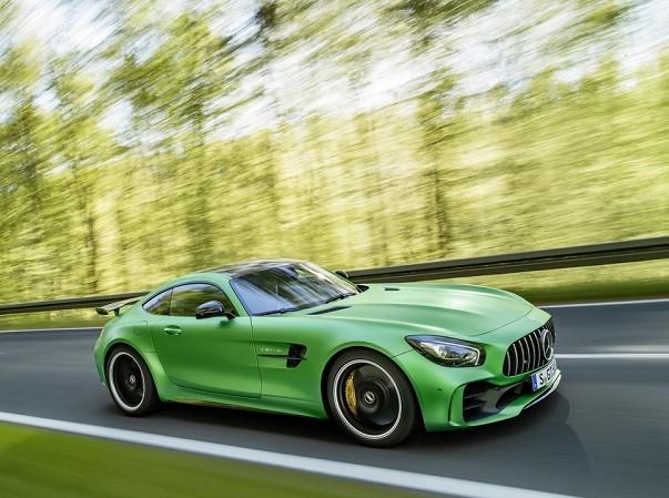 Mercedes AMG GT-R sẽ mạnh mẽ hơn Porsche 911 và Audi R8