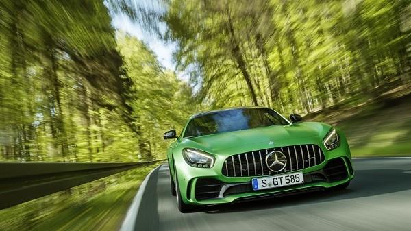 """Mercedes-Benz """"vén màn bí mật"""" siêu phẩm xe thể thao AMG GT-R"""
