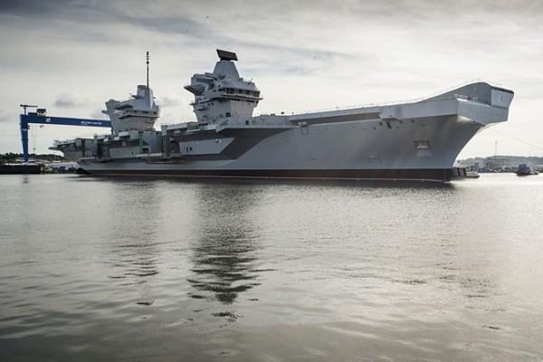 Hải quân Anh chuẩn bị nhận 2 tàu sân bay Queen Elizabeth cùng Prince of Wales