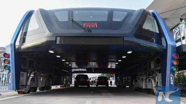 Các phương tiện khác xe đi dưới gầm của TEB
