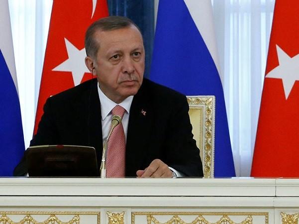 Tổng thống Thổ Nhĩ Kỳ Recep Tayipp Erdogan vừa có chuyến công du một ngày tới Nga