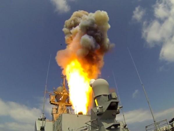 Nga đã phóng 3 tên lửa Kalibr từ tàu chiến ngoài khơi Địa Trung Hải