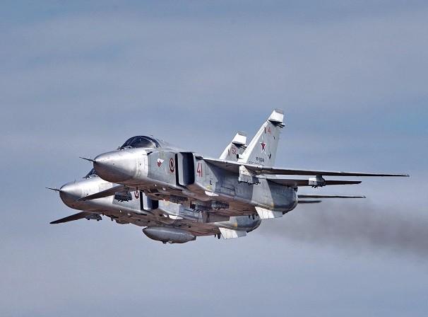 Su-24 của Syria ném bom vào SDF do lực lượng này cố gắng tấn công vào Hasakah