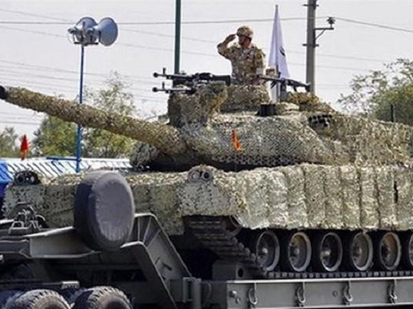 Xe tăng Karrar mới của Iran nhìn có nét giống T-90MS của Nga