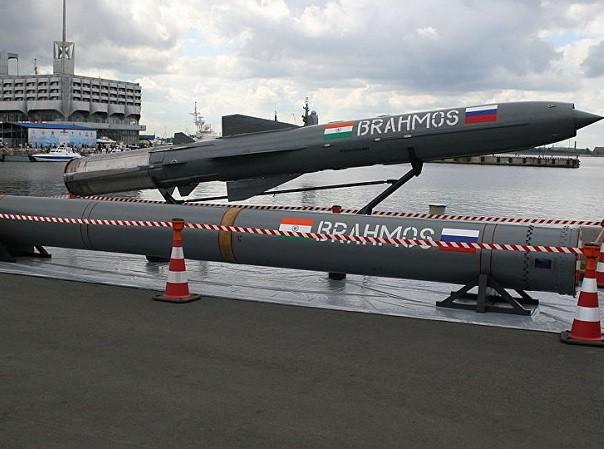 Ấn Độ sẽ triển khai tên lửa BrahMos đến biên giới với Trung Quốc