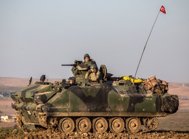 Ít nhất 20 xe tăng Thổ Nhĩ Kỳ đang xuất hiện tại Syria