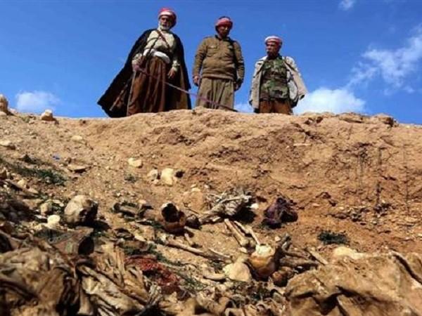 Hố chôn tập thể xuất hiện khắp Iraq và Syria