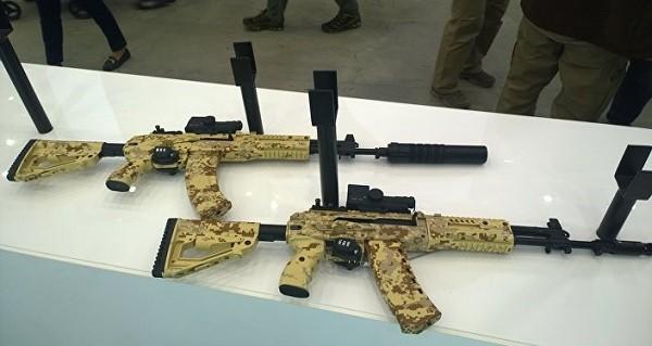 AK-12 và Ak-15 có thiết kế giống nhau, chỉ khác cỡ đạn sử dụng