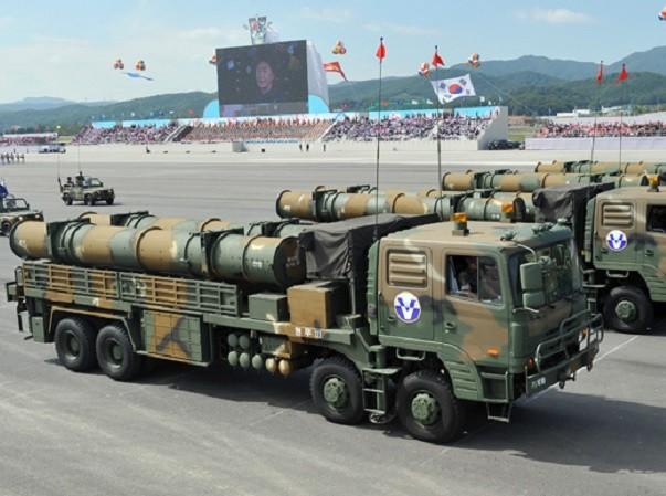Hàn Quốc chuẩn bị nhiều tên lửa phi hạt nhân để tấn công Triều Tiên