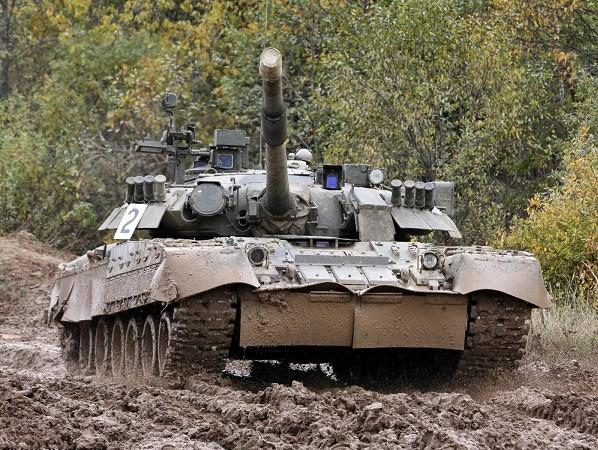 Hàn Quốc đang có vài chục xe tăng T-80 của Nga