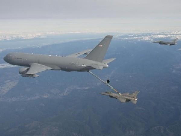 KC-46 trong một cuộc thử nghiệm