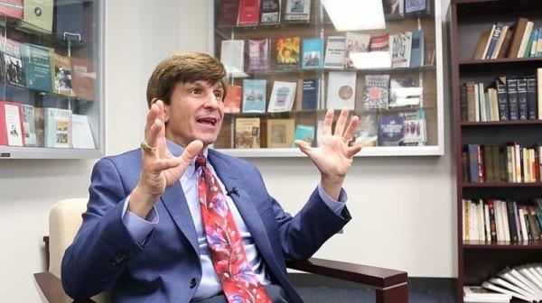 Giáo sư Allan Lichtman từng đoán chuẩn kết quả của 8 kì bầu cử Mỹ liên tiếp