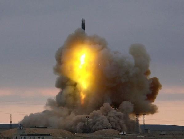 Tên lửa RS-18 được triển khai từ hầm phóng cố định