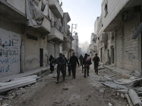 Quân đội lập Syria đang đối mặt với cảnh không còn nhận được sự hỗ trợ từ Mỹ
