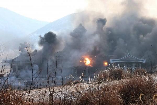 Triều Tiên dựng cả mô hình Nhà Xanh để tập tấn công