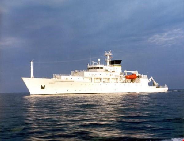 Các tàu hải dương học của Mỹ thường bị chiến hạm Trung Quốc đeo bám