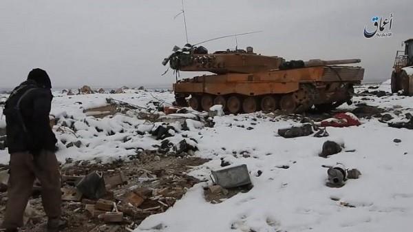 Xe tăng Leopard-2 của quân đội Thổ Nhĩ Kỳ bị IS tịch thu