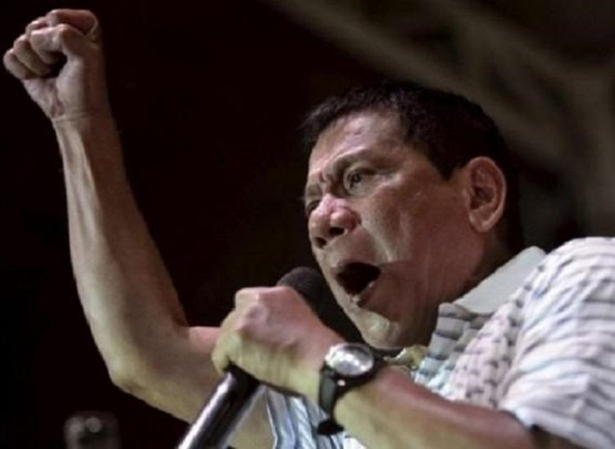 Tổng thống Duterte dọa cân nhắc lại thỏa thuận hợp tác quốc phòng với Mỹ