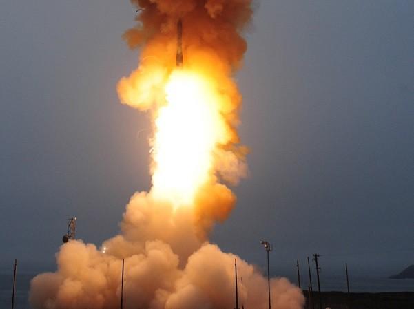 Tên lửa Minuteman III rời bệ phóng
