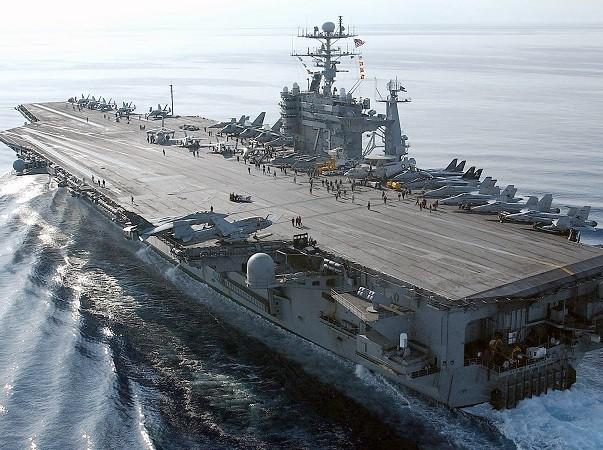 Lần đầu tiên trong gần 2 tháng qua, tàu sân bay Mỹ tham chiến chống khủng bố