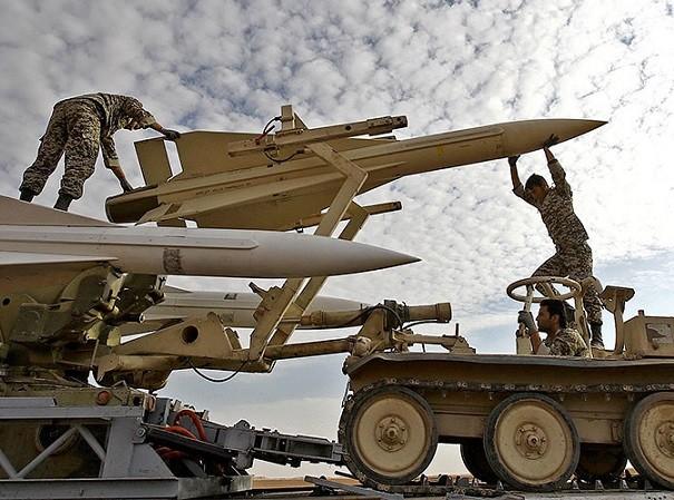 Mỹ càng mạnh tay, Iran càng thử nhiều tên lửa