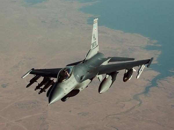 Máy bay Iraq sẽ lao sang lãnh thổ Syria để không kích IS