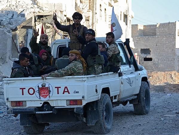 Quân đội Syria và lực lượng đối lập do Thổ Nhĩ Kỳ đang tỏ ra thiếu hòa thuận
