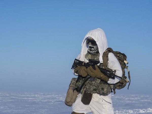 Lính Mỹ tập trận trong môi trường - 40 độ C