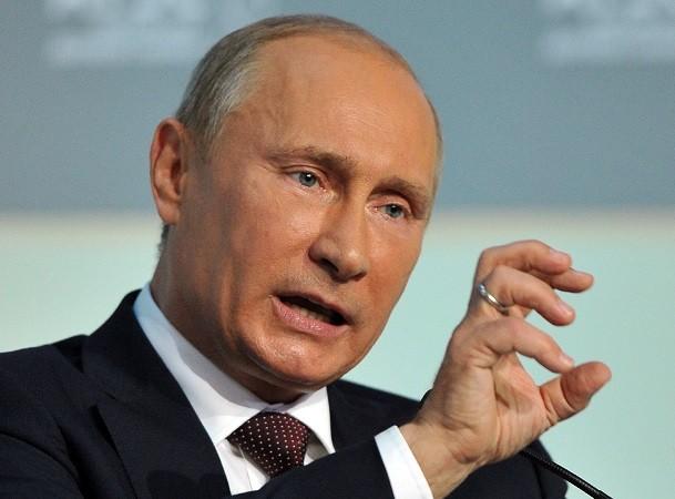 Tổng thống Putin cho rằng, trừng phạt Syria là điều không hợp lí vào thời điểm này