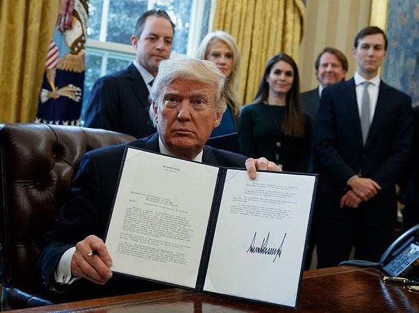 Tổng thống Trump quyết ngăn người Hồi giáo từ 6 nước nhập cư vào Mỹ