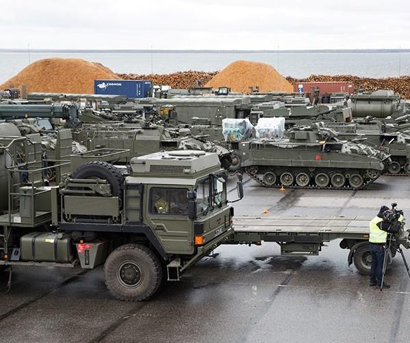 Khí tài quân sự của Anh xuất hiện ở Estonia