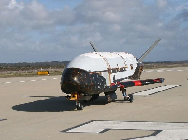 Máy bay X-37B của Mỹ làm rất nhiều người tò mò