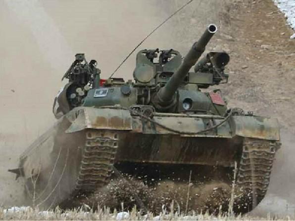 """""""Soi"""" vũ khí trang bị trên xe tăng chiến đấu chủ lực của Triều Tiên"""