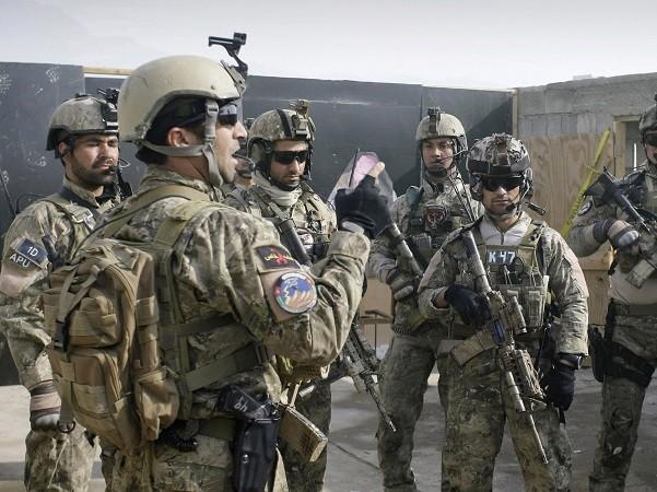 Binh lính Mỹ đã giao tranh nhiều giờ đồng hồ với IS vào hôm 26-4