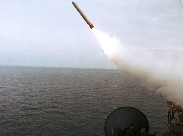 Tên lửa Tomhawk có thể dễ dàng trang bị lên các tàu khu trục Aegis của Nhật Bản