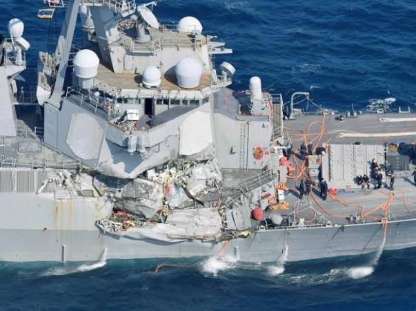 Tàu Fitzgerald của Mỹ đã bị ngập nước sau vụ va chạm